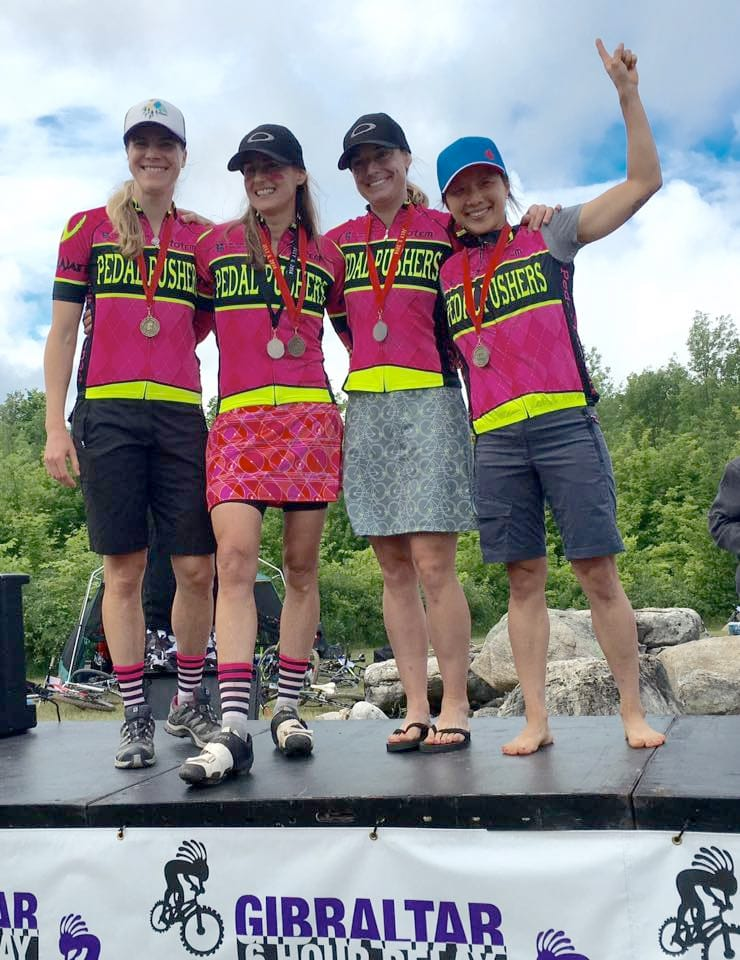 pedalpushers womens mountain bike relay team 2016 on the podium