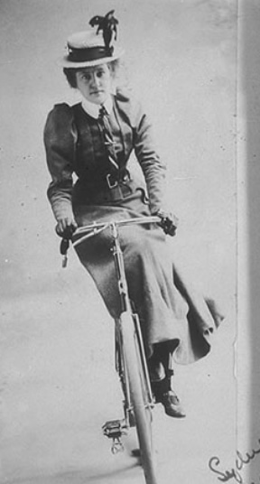 cycling comfort tips for women - women actually managed to ride sidesaddle