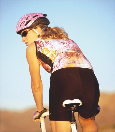 cycling comfort tips for women - showing anatomical differences of women cyclists