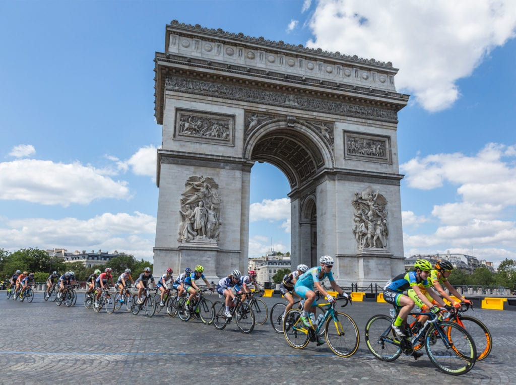 Women's Tour de France - peloton races past the Arc de Triomphe in Paris